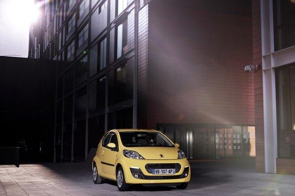 Citroën c e peugeot in arrivo nuove versioni per le due